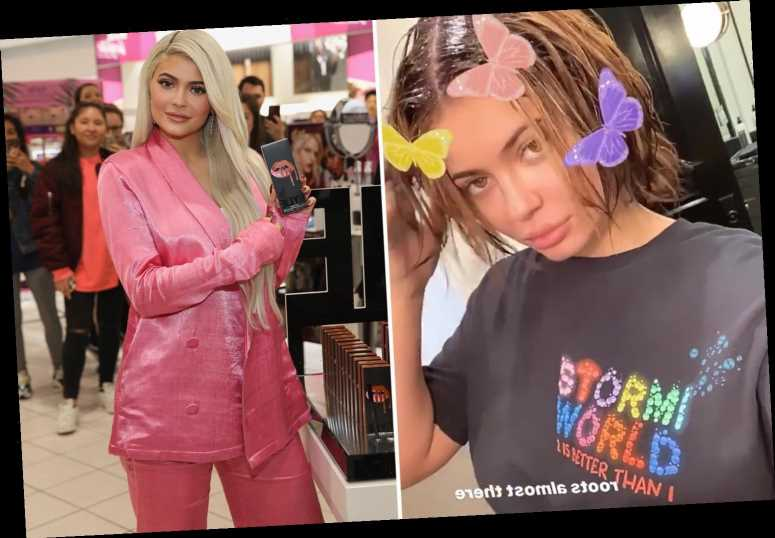 Kylie Jenner reveals her natural short hair after taking out her extensions – The Sun
