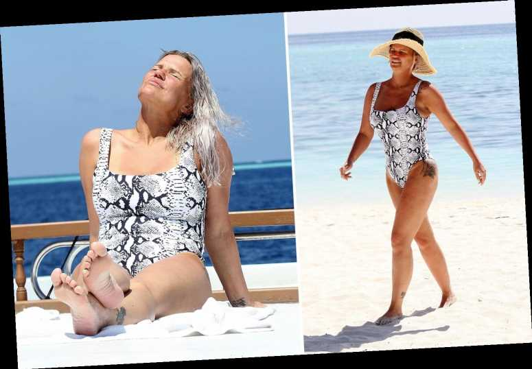 Kerry Katona shows off her toned curves in a snakeprint swimsuit on luxury Maldives holiday with boyfriend Ryan Mahoney – The Sun