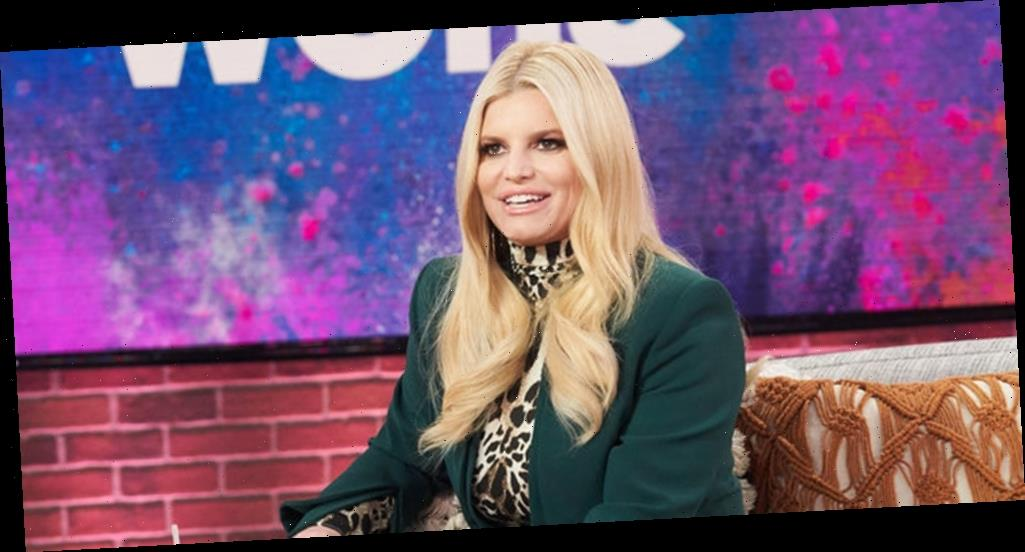Jessica Simpson Overcame Her Stutter by Singing – Watch! (Video)