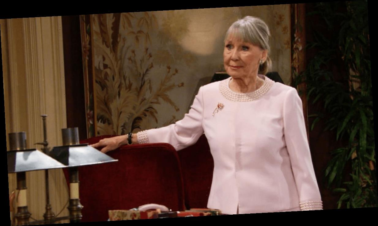 Who plays Dina on The Young and the Restless?