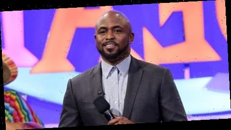 Wayne Brady Performs Opening Number on 'Let's Make a Deal Primetime'