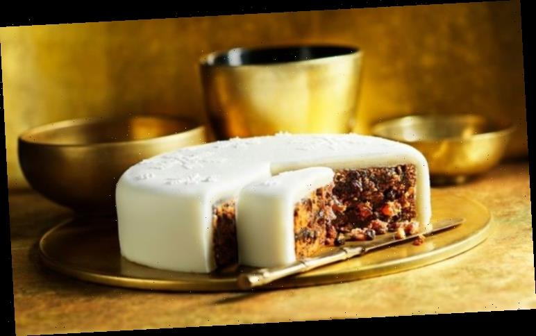 How to make and mature Christmas cake