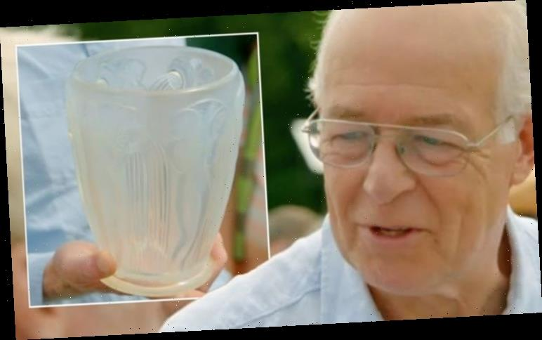Antiques Roadshow guest gobsmacked as René Lalique vase fetches huge valuation