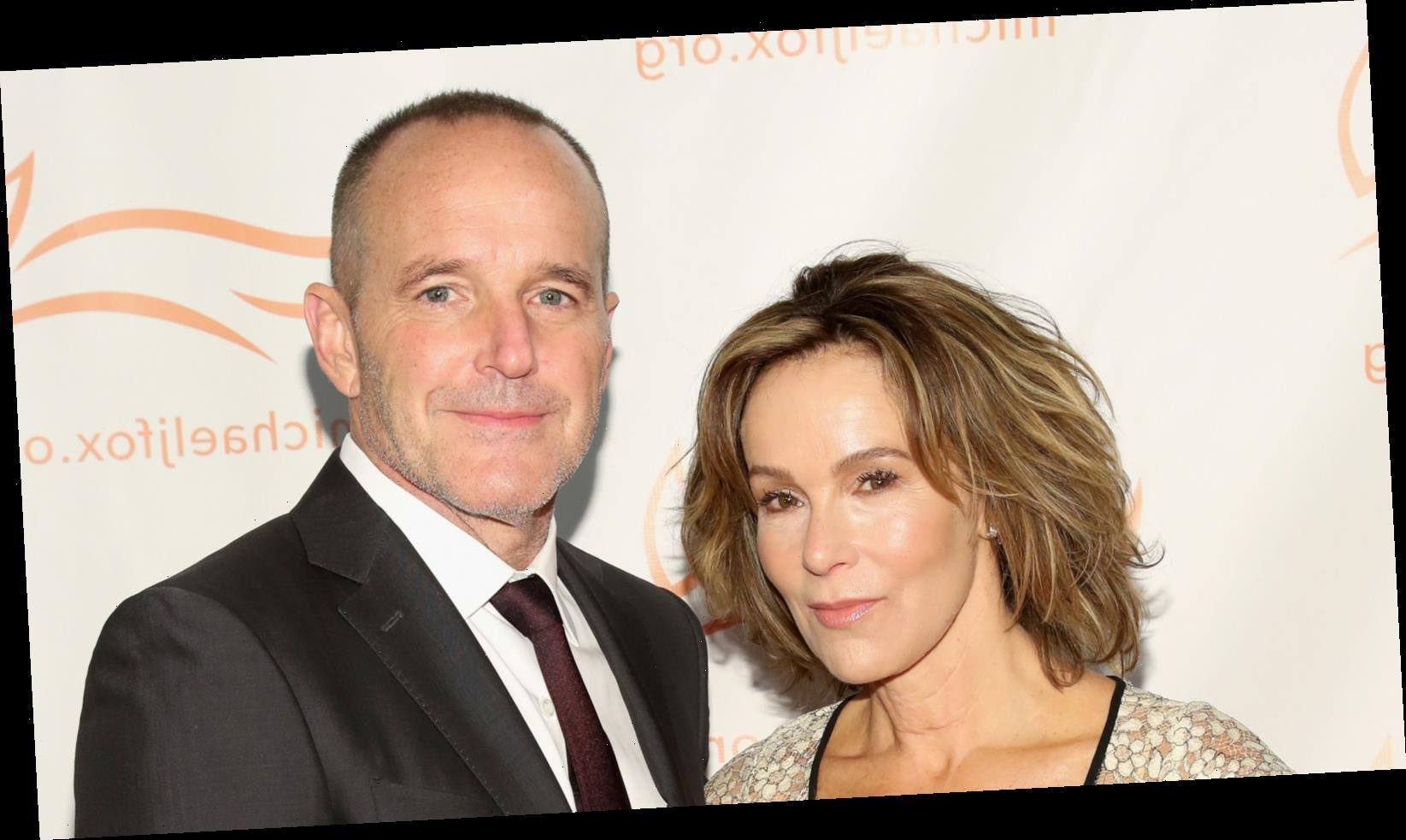Jennifer Grey gets big win in divorce from Clark Gregg