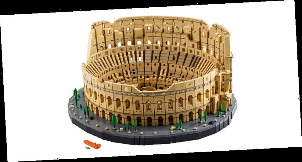 This LEGO Build Faithfully Recreates the Colosseum With 9,000 Pieces