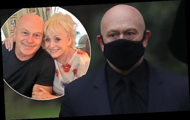 Ross Kemp pays emotional tribute to Barbara Windsor with moving eulogy