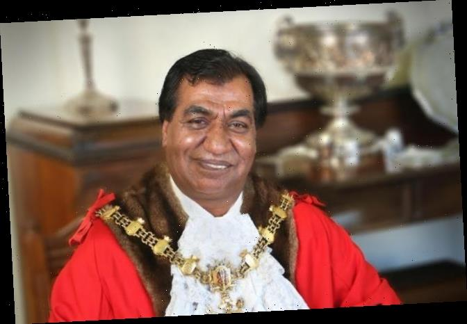 Blackburn mayor Iftakhar Hussain forced to quit after breaking Covid rules to 'deliver food to wedding'