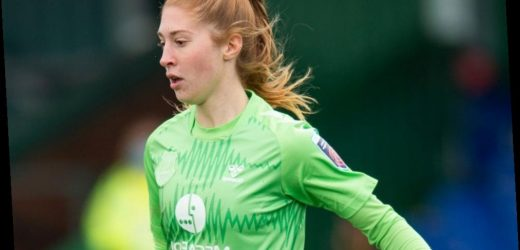 Everton stopper Sandy MacIver eyes Champions League spot after signing new deal ahead of Chelsea clash