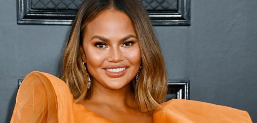 Chrissy Teigen Returns to Twitter Nearly a Month After Her Departure
