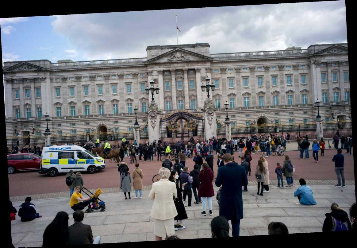 Prince Philip – Mourners descend on Buckingham Palace and Windsor Castle to pay respects but are dispersed by police