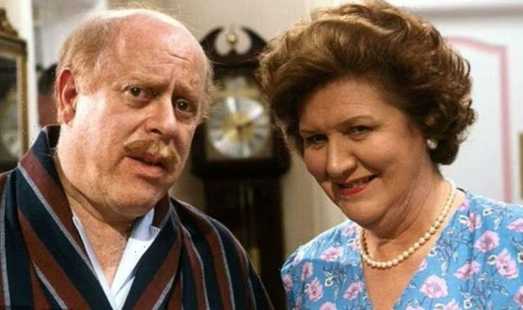 'Get a grip' Keeping Up Appearances fury as BBC hit with 'offensive language' warning