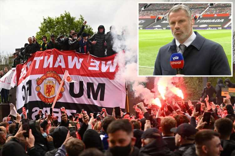 Jamie Carragher says Man Utd protesters gave him no trouble as Liverpool legend claims those in stadium were 'peaceful'