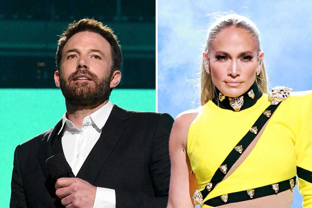 Jennifer Lopez performs Red Sox anthem while Ben Affleck is in the house