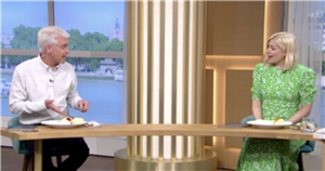 Philip Schofield horrifies fans as he tells Holly Willoughby to 'shut your face' in This Morning scone debate
