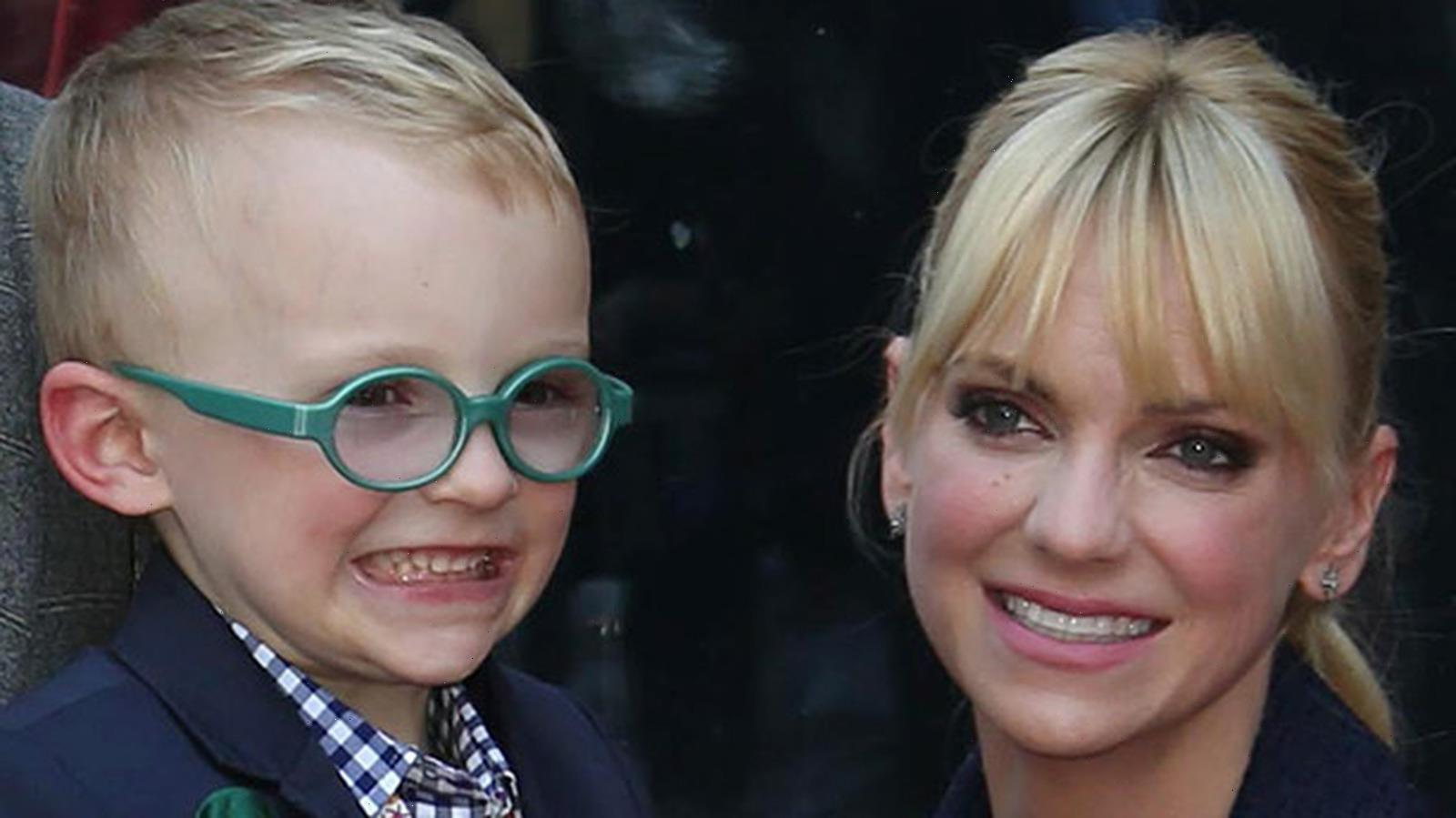 The Health Issues That Chris Pratt And Anna Faris' Son Faced As A Baby
