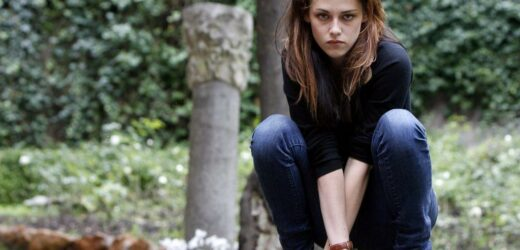 'Twilight': 1 Actor Says Kristen Stewart 'Held the Entire Movie on Her Back'