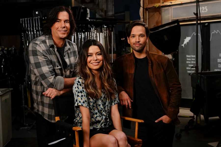 'iCarly' Revival Trailer Shows the Old Gang as Adults