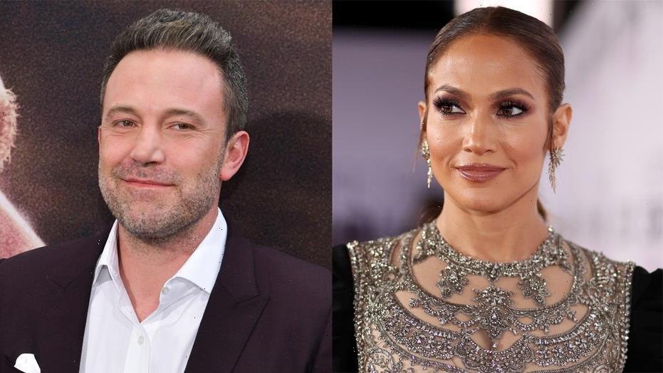 Ben Affleck welcomes rekindled flame Jennifer Lopez to Los Angeles home