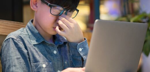Could Wearing Blue Light Blocking Glasses Cause Headaches?