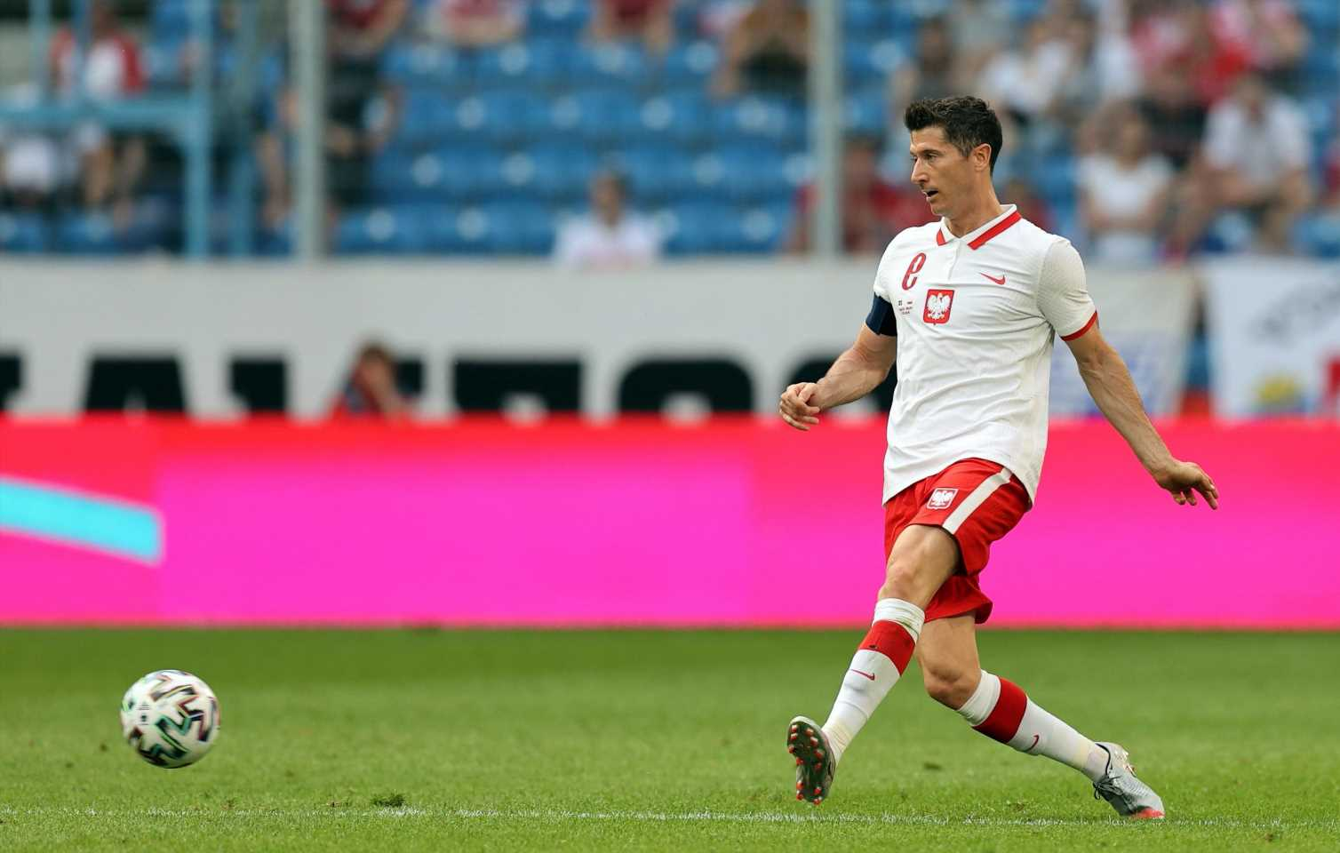 Euro 2021: Can Poland rise to meet Robert Lewandowski?