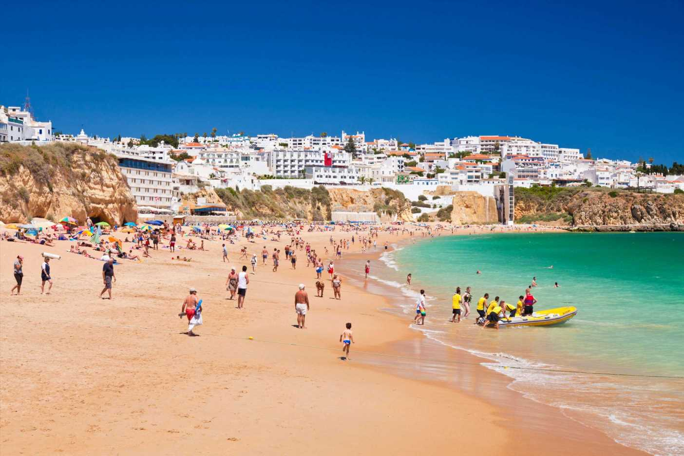 Portugal holiday warning as all kids 12 and over must be vaxxed or face quarantine