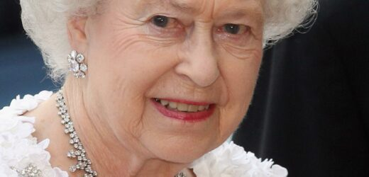 Queen Elizabeth Just Wore The Same Outfit Twice In A Month. Here's Why