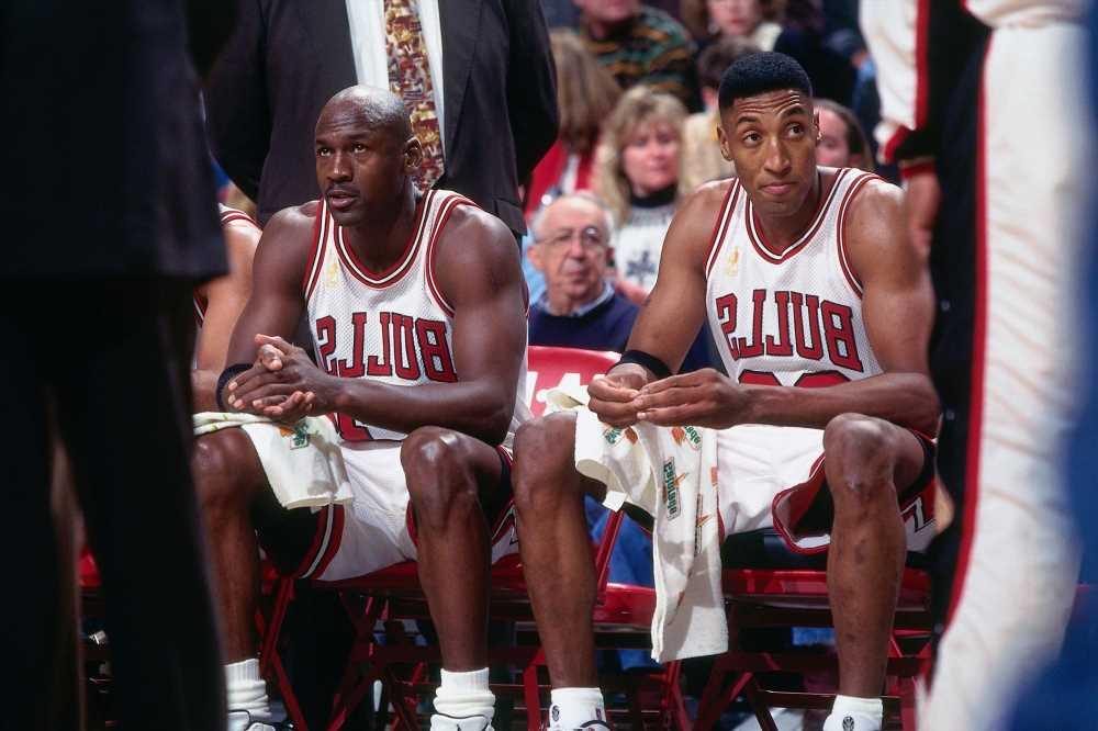 Scottie Pippen's memoir seems to throw some big Michael Jordan shade