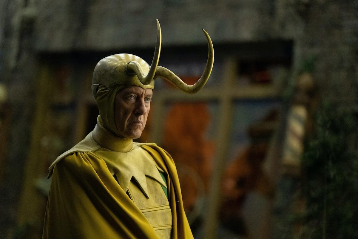 'Loki' Star Richard E. Grant Says Classic Loki and Alligator Loki Should Team Up for a Spinoff