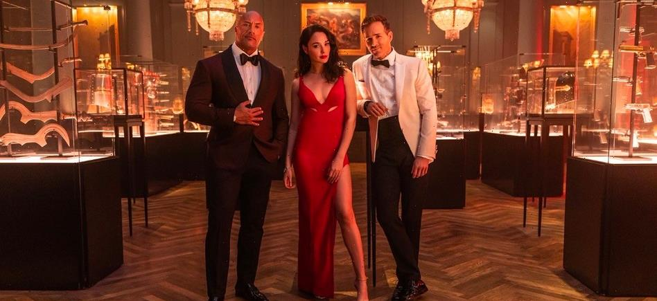 'Red Notice' Reveals New Image of Dwayne Johnson, Gal Gadot and Ryan Reynolds, Hits Netflix in November