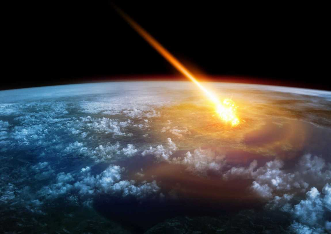Alien invaders will 'crack Earth open like a NUT' with advanced space weapons, UFO expert warns
