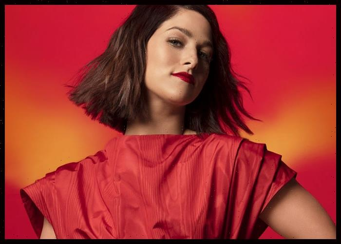 Cassadee Pope Announces New Album Thrive During Appearance On Kelly Clarkson Show