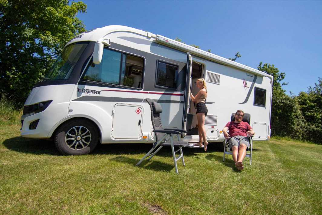 Couple saves more than £1,000 a month by changing lifestyle to live in a van