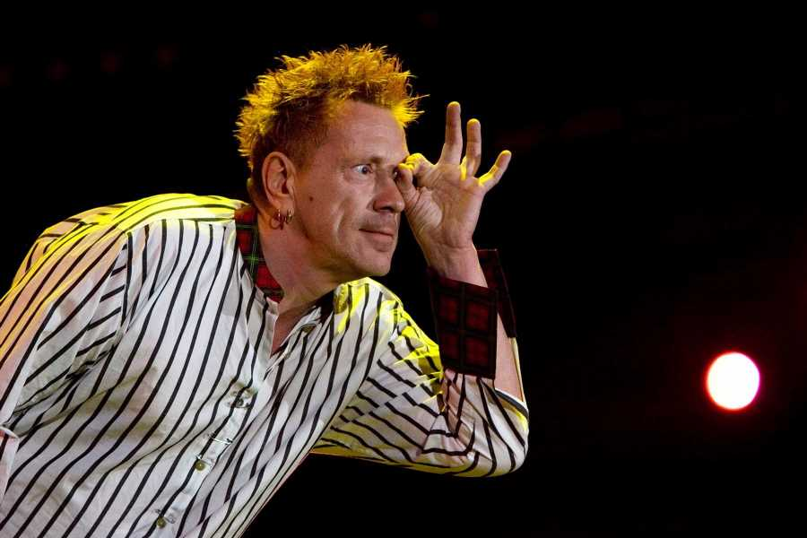 Flashback: Sex Pistols Play a Blazing Set at the 2008 Isle of Wight Festival
