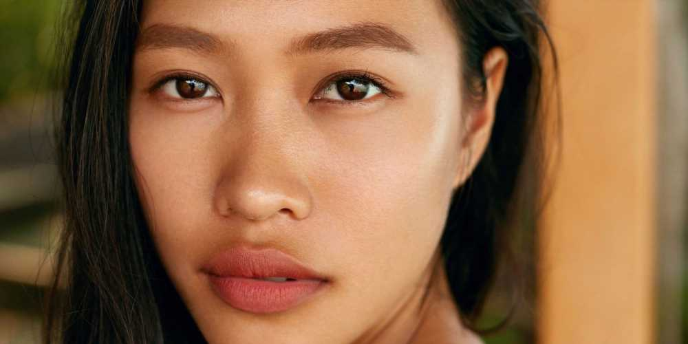 Here's What to Know About Lip Flips