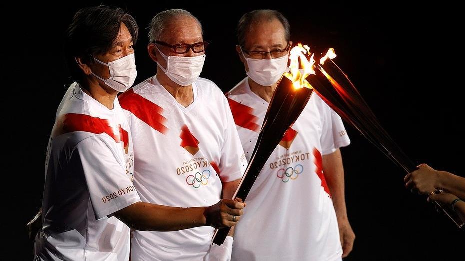 Hideki Matsui, Sadaharu Oh serve as Olympic torch bearers at opening ceremony