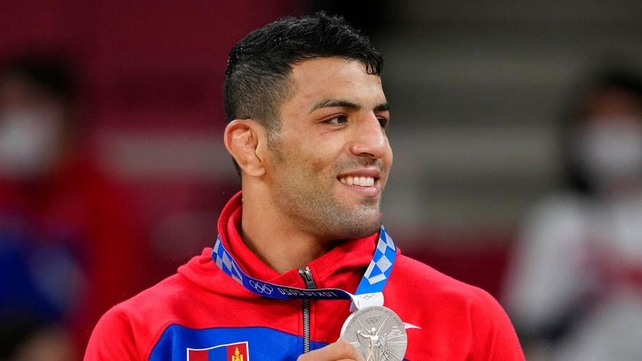 Iranian defector protests anti-Semitism by dedicating Olympic medal to Israel, thanks country in Hebrew