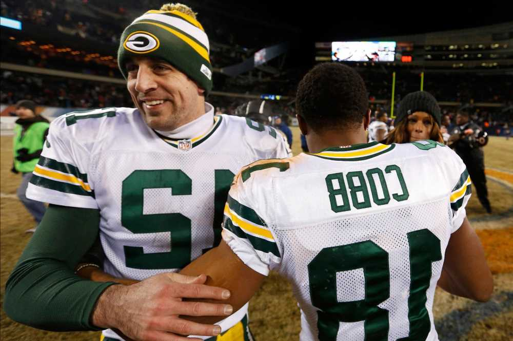 Packers cave in to Aaron Rodgers demand with Randall Cobb trade