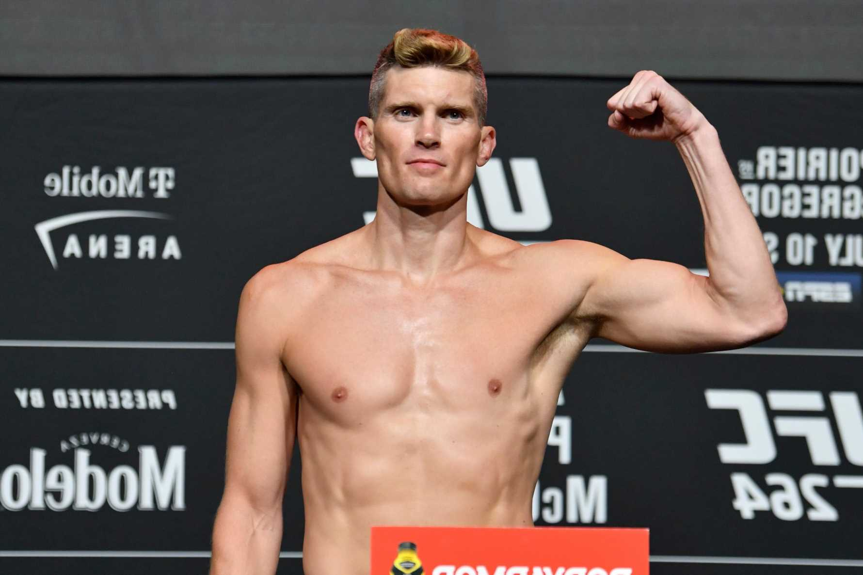 Stephen 'Wonderboy' Thompson reveals he 'projectile vomited in front of entire roster' after weigh-in for UFC 264 fight