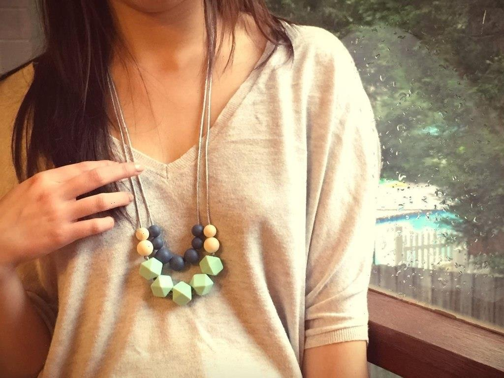 Stylish Teething Necklaces That Moms Will Actually Like Wearing