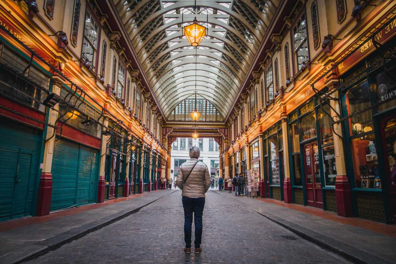 Take a wizards tour of London & meet a Weasley on this two-day Harry Potter break