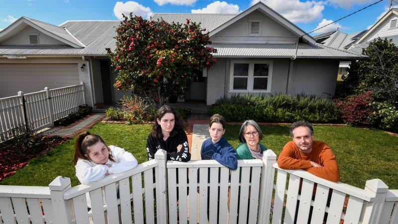 'Many caught out': Shepparton stretched thin as outbreak grows
