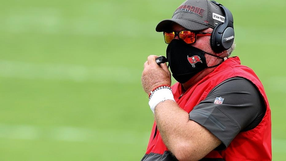 Bucs' Bruce Arians sets own rules following COVID case: 'I don't give a crap if they're vaccinated or not'