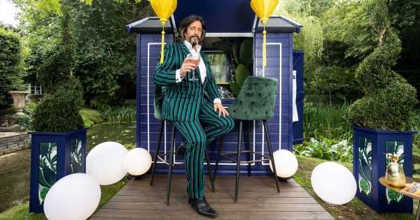Changing Rooms Laurence Llewelyn-Bowen in DIY overhaul with lavish home gin bar