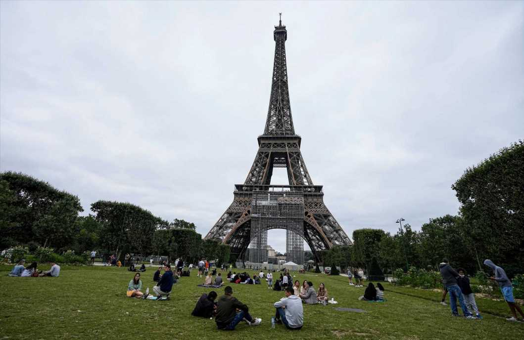 Gen Zs don't know where the Eiffel Tower is in France, survey reveals