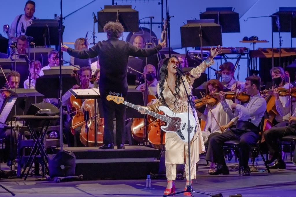 H.E.R. Thrills Hollywood Bowl Crowds With and Without LA Phil's Strings Attached: Concert Review