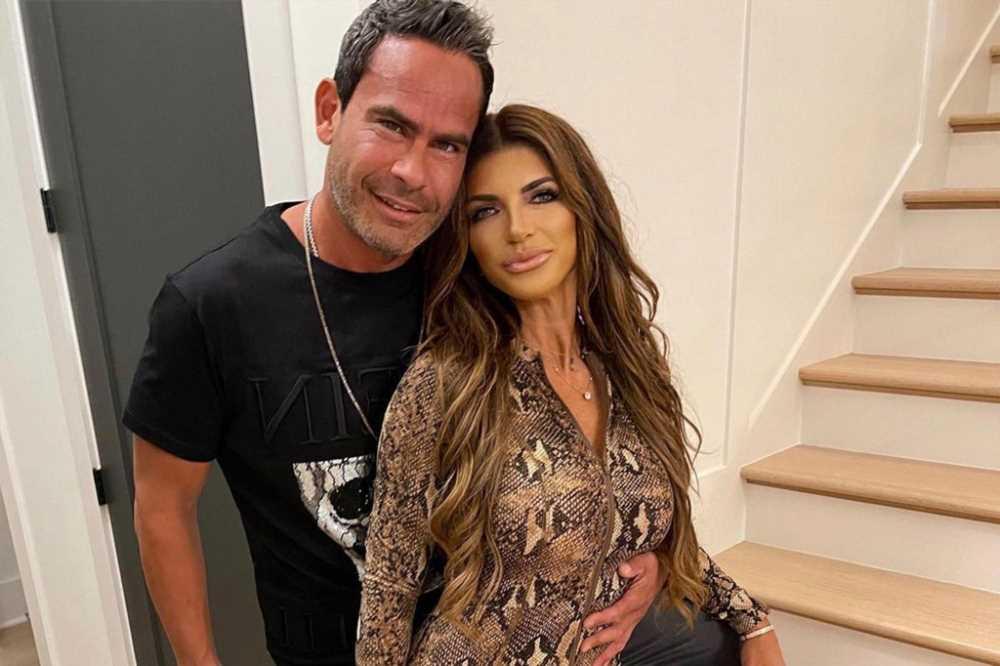 Teresa Giudice, boyfriend Luis Ruelas get cozy in Nashville