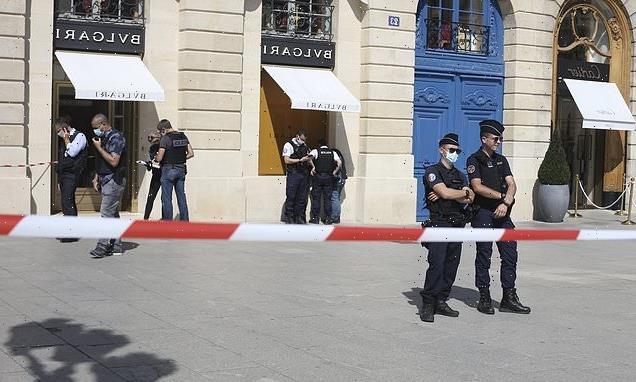 Gunmen steal £8million in jewellery from Paris Bulgari store