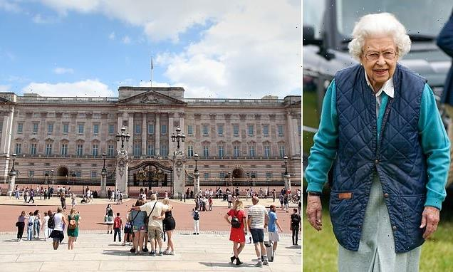Queen will reportedly spit time between Windsor and Buckingham Palace