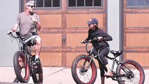 Renee Zellweger & New BF Ant Anstead Enjoy Bike Riding Date In Laguna Beach  Photo