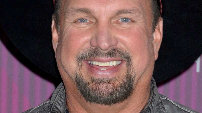 The Surprising Way Garth Brooks Met His First Wife